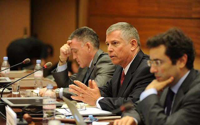 Major General Mike Jones speaks at the United Nations Human Rights Council on June 29, 2015 (courtesy UN Watch/ Oliver O'Hanlon)