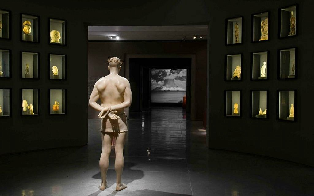 Mark Wallinger, British, born 1959, Ecce Homo, 1999 White marbleized resin, gold-painted barbed wire, life size (Courtesy Israel Museum)