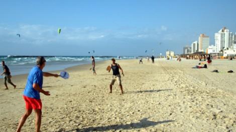 Matkot players on the beach in Tel Aviv (photo: Courtesy)