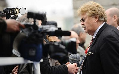 Elmar Brok speaks at a press conference of the European People's Part in 2012. (European People's Party/Flickr/CC BY 2.0)