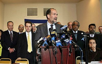 Senior Rabbi of Rivardale Jewish Center Jonathan Rosenblatt speaks at a solidarity interfaith gathering attended by clergy, politicians, community leaders and activists at the Riverdale Jewish Center in Bronx, NY, Friday, May 22, 2009. (AP Photo/David Karp)