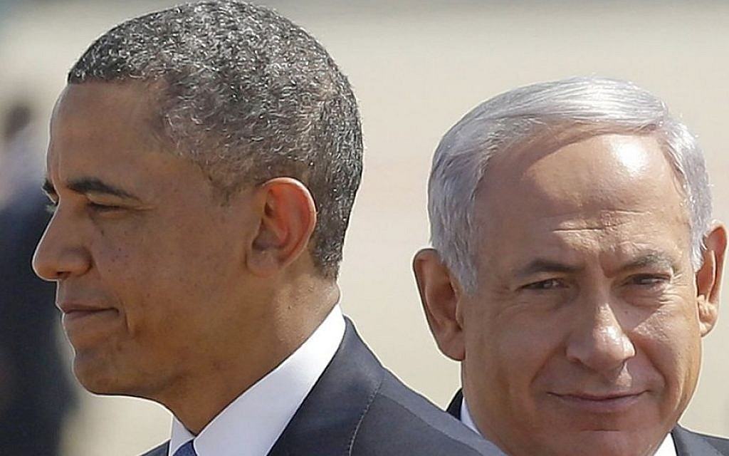US President Barack Obama, left, and Israeli Prime Minister Benjamin Netanyahu at Ben Gurion Airport, Wednesday, March 20, 2013. (AP/Pablo Martinez Monsivais)