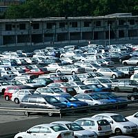 Illustrative: A parking lot in Tel Aviv (Moshe Shai/FLASH90)