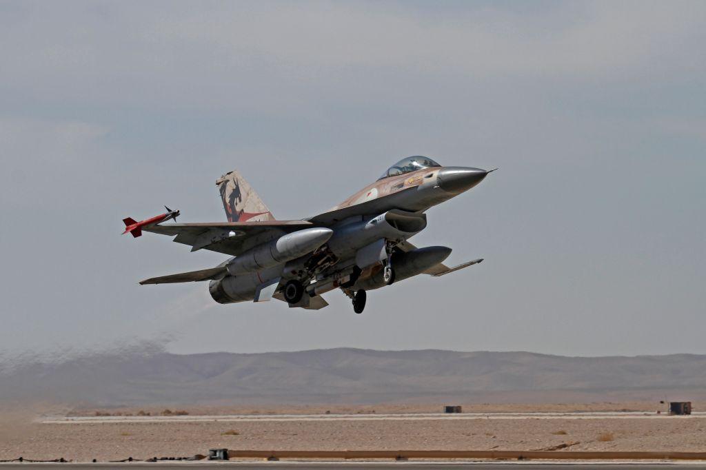An Israeli F-16 during an exercise on November 25, 2013. (Ofer Zidon/Flash90)
