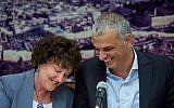 Finance Minister Moshe Kahlon (right) with Bank of Israel Governor Karnit Flug, June 3, 2015. (Yonatan Sindel/Flash90)