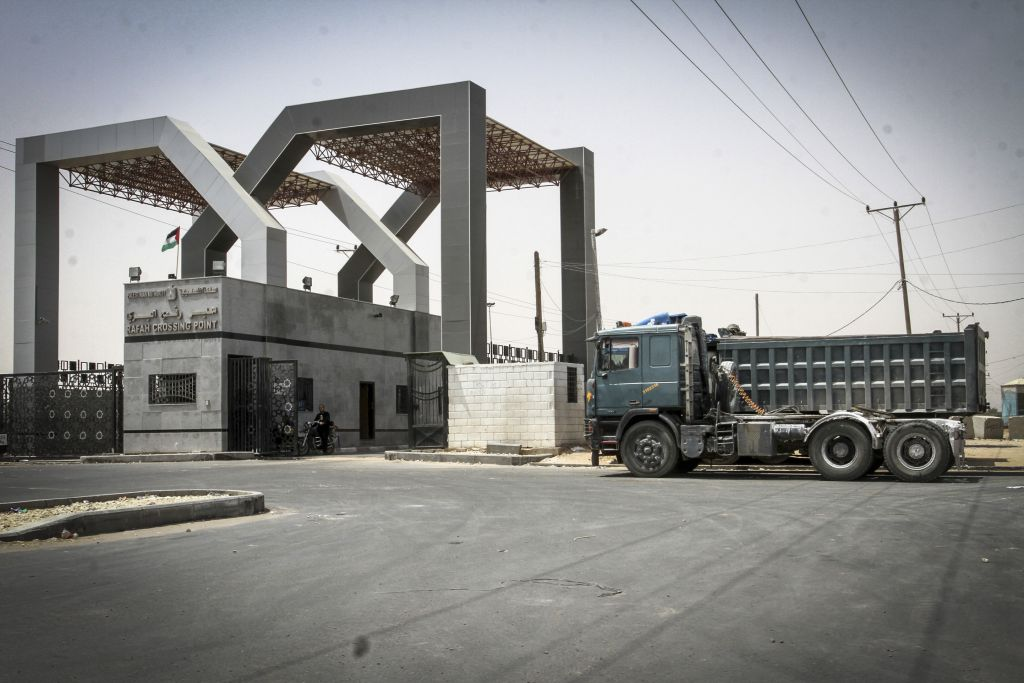 Kerem Shalom crossing seen closed from the Gazan side, on June 7, 2015. Israel closed the crossing following rocket fire. (Photo by Abed Rahim Khatib/Flash 90)