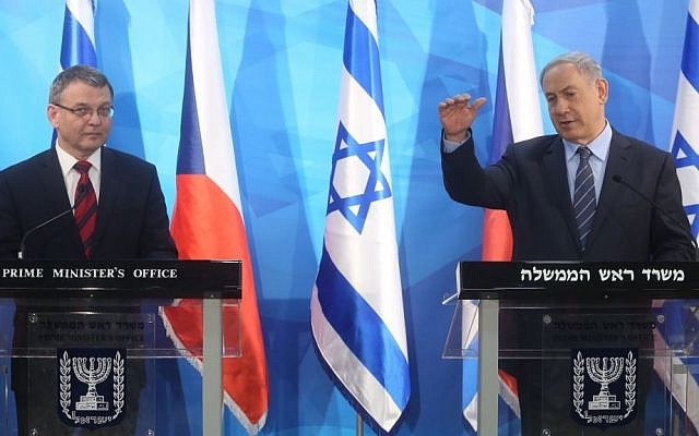 Prime Minister Benjamin Netanyahu holds a press conference with Czech Foreign Minister Lubomir Zaoralek in Jerusalem, on June 8, 2015. (Photo by Marc Israel Sellem/POOL)