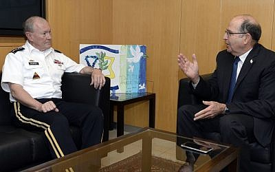 Moshe Ya'alon meets with US Joint Chiefs of Staff  head Martin Dempsey in Tel Aviv on June 09, 2015. (Matty Stern/US Embassy Tel Aviv)