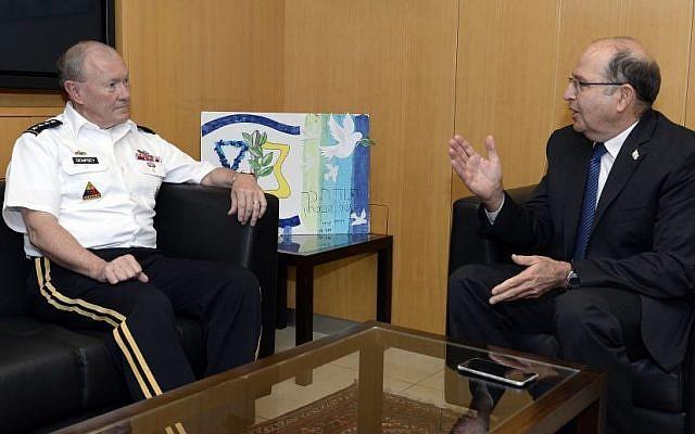 Moshe Ya'alon meets with US Joint Chiefs of Staff  head Martin Dempsey in Tel Aviv on June 09, 2015. (Matty Stern/US Embassy Tel Aviv)