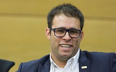 Likud Member of Knesset Oren Hazan during a Likud party meeting at the Knesset, June 15, 2015 (Yonatan Sindel/Flash90)