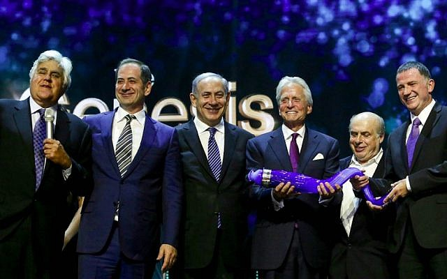 From left to right: Comedian Jay Leno, Prime Minister Benjamin Netanyahu, Genesis cofounder Stan Polovets, Michael Douglas, Jewish Agency chairman Natan Sharansky, and Knesset speaker Yuli Edelstein at the Genesis Prize ceremony at the Jerusalem Theater, June 18, 2015 (Marc Israel Sellem/Flash90)