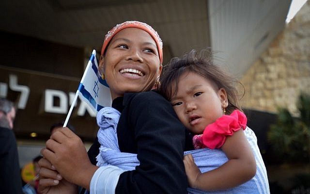 """About 100 """"Bnei Menashe"""" (Sons of Menashe) from India landed at Ben Gurion Airport, on June 25, 2015, immigrating to Israel (Flash90)"""