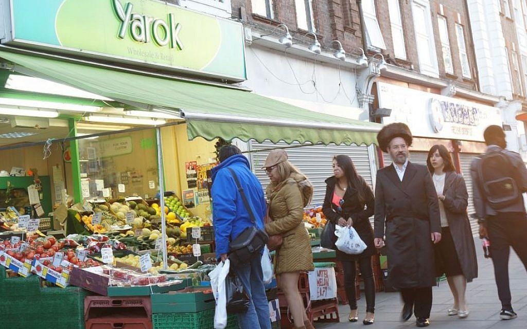 Shoppers at a market in the heavily Jewish London neighborhood of Golders Green, June 19, 2015. (Cnaan Liphshiz/JTA)