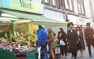 Shoppers at a market in the heavily Jewish London neighborhood of Golders Green, June 19, 2015. (Cnaan Liphshiz/JTA)