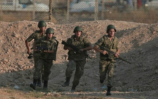 Illustrative photo of Turkish soldiers in southeastern Turkey, June 15, 2015 (AP/Lefteris Pitarakis)