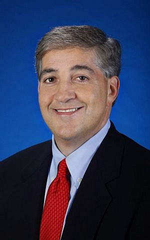 """Jeffrey Vinik says his Lightning has """"really resonated"""" in the Tampa-area community, noting """"great fans"""" and soaring television ratings. (Scott Iskowitz/TBL/via JTA)"""