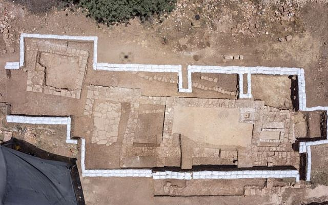 View of the floor plan of the Byzantine-era church discovered near Abu Ghosh during the upgrading and expansion of the Jerusalem-Tel Aviv highway, June 2015. (Photo: Skyview, courtesy of Antiquities Authority)