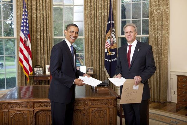 US President Barack Obama welcomes Ambassador Michael B. Oren of the State of Israel to the White House Monday, July 20, 2009, during the credentials ceremony for newly appointed ambassadors to Washington, DC. (White House photo)