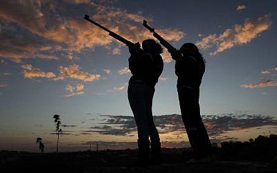 Israel sharpshooters in 2009. (Nati Shohat Abir Sultan /Flash90)