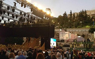 As the sun set, the Jerusalem Opera Festival began in Sultan's Pool, for the first time in four years (Jessica Steinberg/Times of Israel)