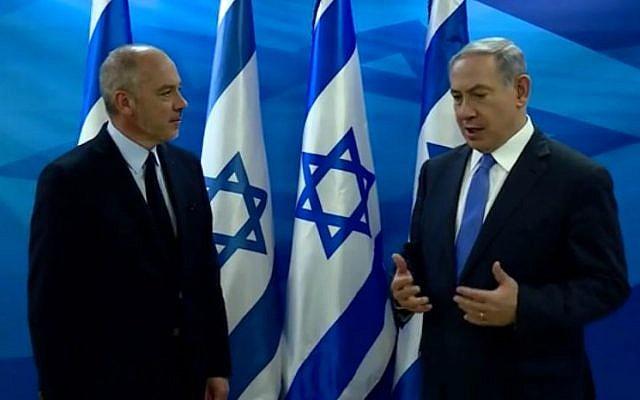 Prime Minister Benjamin Netanyahu (R) and Orange CEO Stephane Richard in Jerusalem, June 12, 2015. (screen capture/PMO video)