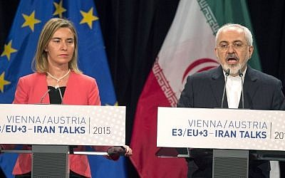 (L-R) High Representative of the European Union for Foreign Affairs and Security Policy Federica Mogherini and Iranian Foreign Minister Mohammad Javad Zarif attend a final press conference of Iran nuclear talks in Vienna, Austria on July 14, 2015. (Joe Klamar/AFP)