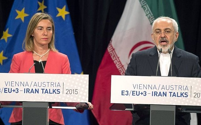 High Representative of the European Union for Foreign Affairs and Security Policy Federica Mogherini, left, and Iranian Foreign Minister Mohammad Javad Zarif attend a final press conference of Iran nuclear talks in Vienna, Austria on July 14, 2015. (Joe Klamar/AFP)