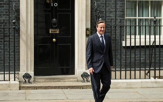 British Prime Minister David Cameron walks out of 10 Downing Street in central London on 15 July, 2015. (AFP/Leon Neal)