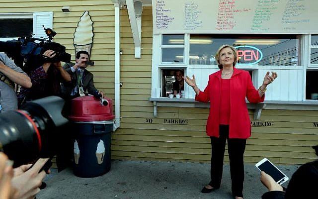 Democratic presidential candidate Hillary Clinton answers reporters questions at Dairy Twirl, July 3, 2015 in Lebanon, New Hampshire. (Darren McCollester/Getty Images/AFP)