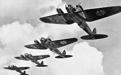 Heinkel He 111 bombers during the Battle of Britain (Wikimedia Commons/Public Domain/British Government)