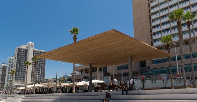 Part of the Holon Design Museum's Urban Shade exhibit, a pergola on the Tel Aviv beach (Photo credit: Martin Weyl, Benny Gam Zo Letova)