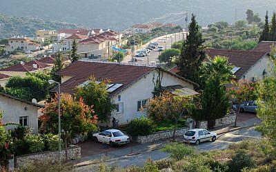 The Israeli settlement of Karnei Shomron in western Samaria, November 20, 2009 (Gili Yaari/Flash90)