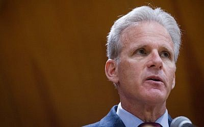 Kulanu party member Michael Oren attends a political debate held at the Hebrew University in Jerusalem, on March 03, 2015. (Miriam Alster/FLASH90)