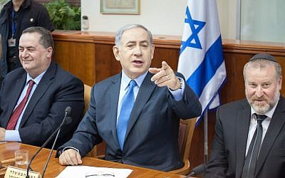 Israeli Prime Minister Benjamin Netanyahu speaks at the weekly cabinet meeting in Jerusalem on July 12, 2015. (Emil Salman/POOL)