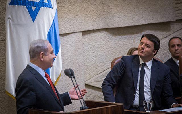 Prime Minister Benjamin Netanyahu (left) speaks to Italian Prime Minister Matteo Renzi (right) at the Knesset on July 22, 2015. (Hadas Parush/Flash90)