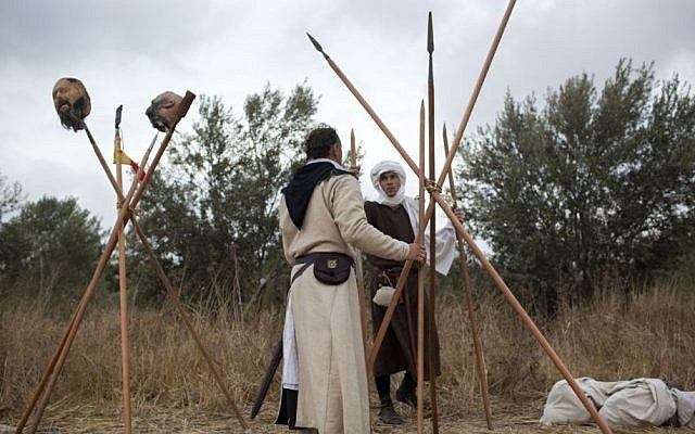 Israeli and Russian members of knight clubs build their camp (AP/Oded Balilty)