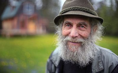Burt Shavitz poses for a photo on his property in Parkman, Maine, on May 23, 2014. (AP/Robert F. Bukaty, File)
