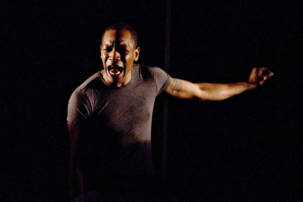 Syrus Lowe in Neil LaBute's 'Exhibit A' (courtesy Jennifer Balcombe)