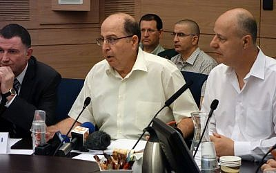 Defense Minister Moshe Ya'alon speaks on Monday, July 13, 2015, at a Knesset Foreign Affairs and Defense Committee meeting. (Ariel Harmoni/Defense Ministry)