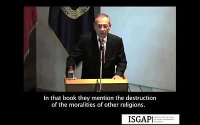 Screen capture of a video of Imad Nabil Jadaa, Palestinian ambassador to Chile, delivering an anti-Semitic speech to a peace conference in Santiago, Chile, May 15, 2015. (screen capture/ISGAP/Vimeo)