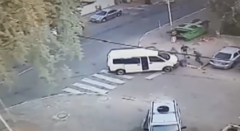 CCTV footage released by police July 1, 2015, showing the beating and kidnapping of 38-year-old Issa Debabseh in Lod on May 27, 2015. (Screen capture: Channel 2)