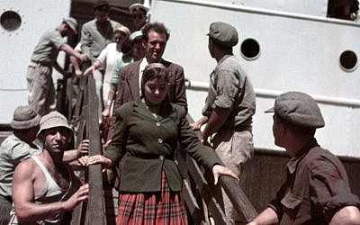 New immigrants disembarking from the Theodor Herzl, near Haifa, Israel, 1949-50 (Photograph: Robert Capa/International Center of Photography/ Magnum Photos)