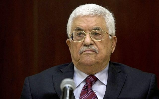 Palestinian Authority President Mahmoud Abbas chairs a meeting of the executive committee of the Palestine Liberation Organization in the West Bank city of Ramallah, August 22, 2015. (AFP/Majdi Mohammed/Pool)