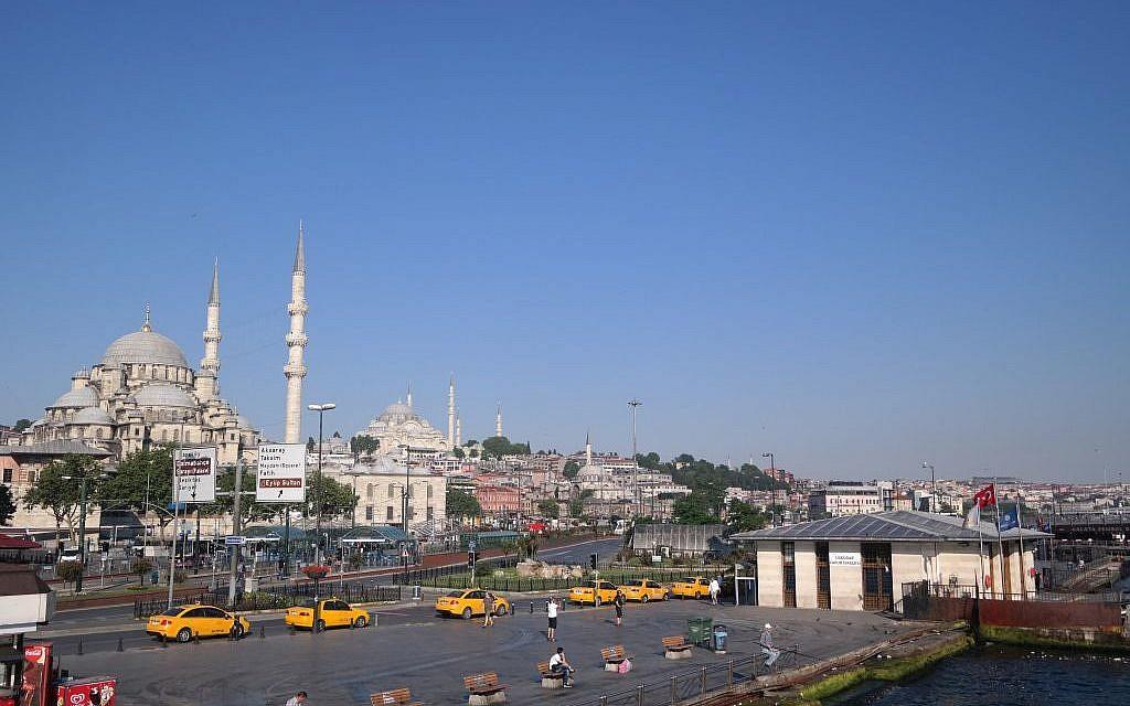 Istanbul's Yeni Camii Mosque. (Avi Lewis, Jon Weidberg)