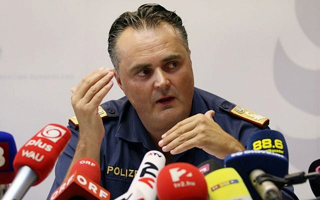Chief of the Burgenland police, Hans Peter Doskozil, informs the media at a news conference at a police station in Eisenstadt, Austria, August 27, 2015. (AP /Ronald Zak)