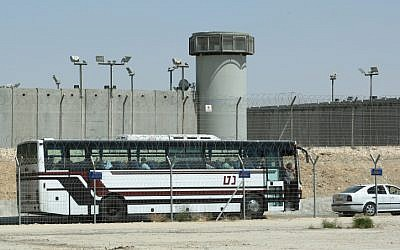 Illustrative: Ketziot Prison, August 2009. (Moshe Shai/Flash90/File)