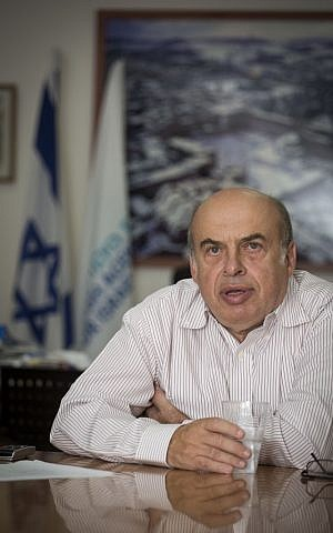 Natan Sharansky, the chairman of the Jewish Agency, at his office in Jerusalem, on September 22, 2014. (Flash90)