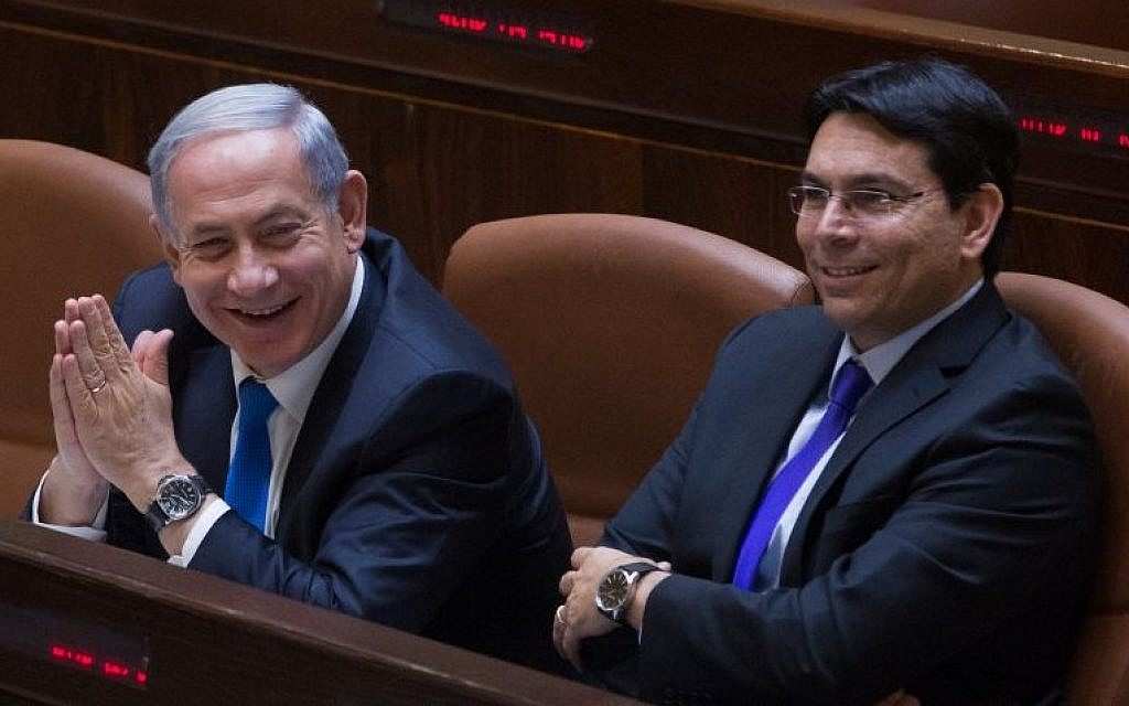 Prime Minister Benjamin Netanyahu and Minister of Science Danny Danon in the Knesset on June 17, 2015. (Photo by Miriam Alster/FLASH90)