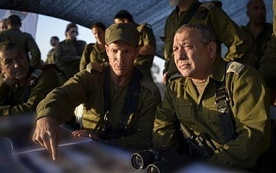 IDF Chief of Staff Gadi Eisenkot visiting an Armored Division exercise on July 23, 2015. (IDF Spokesperson's Unit/FLASH90)
