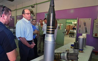 Defense Minister Moshe Ya'alon visits the Israel Aerospace Industries center near Tel Aviv on July 26, 2015. (Ariel Hermoni/Defense Ministry)